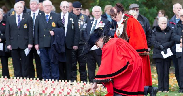 3 November 2018 - I attended the North East Field of Remembrance Service to pay tribute to brave service men and women who served in the Armed Forces in World War I. This is the only remembrance field in the north east.